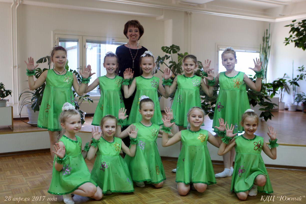 Первый класс на районном хореографическом фестивале «ФЕЕРИЯ»